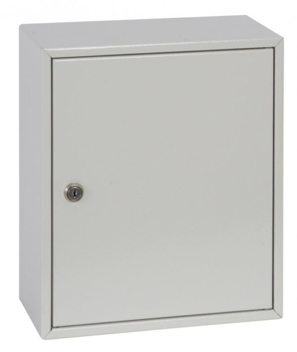 This Phoenixsafe Deep key cabinet KC0300 Series - KC0301K  has a high quality cylinder lock with 2 keys to enable ease of access to your keys.