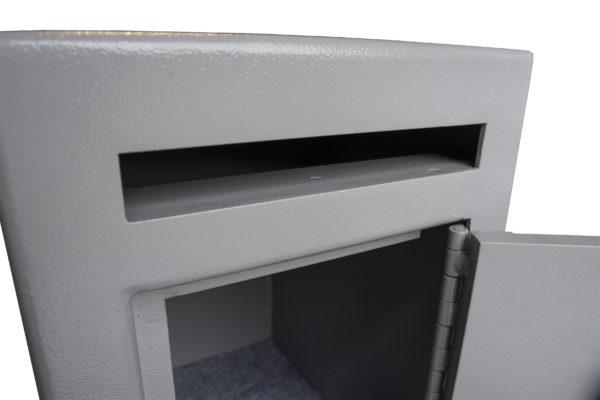 Mini Teller Slot Closeup scaled
