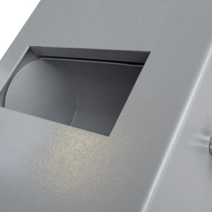 Teller Size  R Slot Closeup  scaled