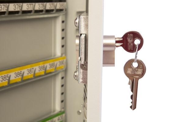 kc0602p door open, side view of lock